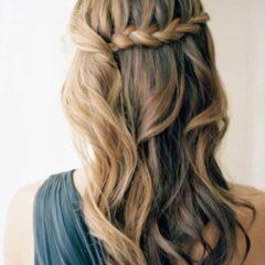 Ozdobný cop na boku, Jednoduché účesy na stužkovú pre dlhé vlasy