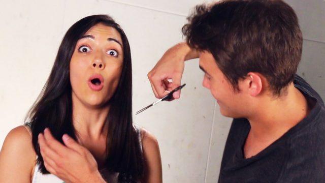 Priatelia strihjú vlasy priateľkám, Uff …